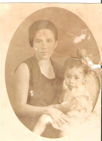2 year old mom with grandma, 1931