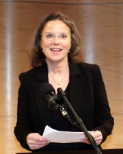 Photo of Carolyn Forche